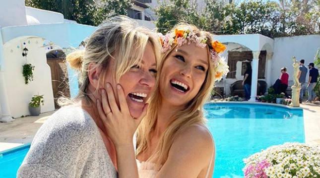 Foto de Bar Refaeli y su madre, en una foto publicada por la modelo en su cuenta de Instagram.