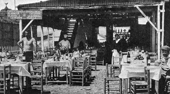 Merendero de la playa de Levante (Valencia) en 1899. r. i.