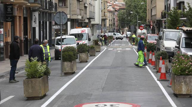 Foto de la calle Amaya de Pamplona, tras su semipeatonalización.