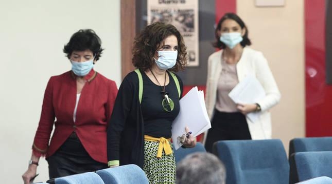 Las ministras María Jesús Montero, Isable Celaá y Reyes Maroto tras el Consejo de Ministros de este martes 16 de junio.