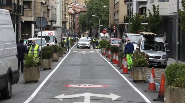 Foto del tramo de la calle Amaya semipeatonalizado cuando todavía prohibía el paso de vehículos.