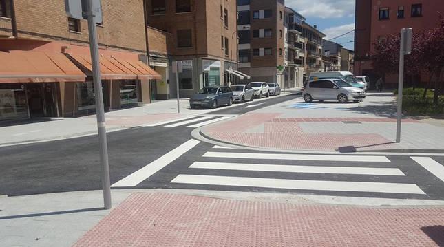 Foto de la calle Isidoro Melero, tras la remodelación a la que fue sometida en Alsasua.