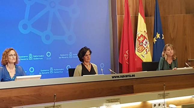 Foto de la rueda de prensa de presentación del acuerdo entre el Departamento de Desarrollo Rural y doce entidades para promocionar el producto agroalimentario navarro.