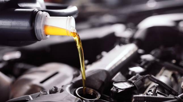 Cinco claves para revisar el coche o la moto