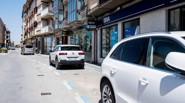 La zona de estacionamiento regulado de Peralta se ha habilitado en la travesía.