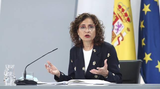 Foto de la ministra portavoz y de Hacienda, María Jesús Montero, este viernes en rueda de prensa.