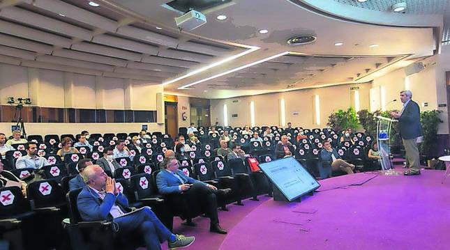 Foto del 'Encuentro de cooperación Salud e Industria' organizado por la Fundación Industrial Navarra.