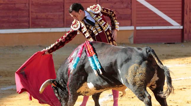 Finito de Córdoba, durante su faena en Tudela que le hizo triunfador de la feria de Santa Ana 2019.