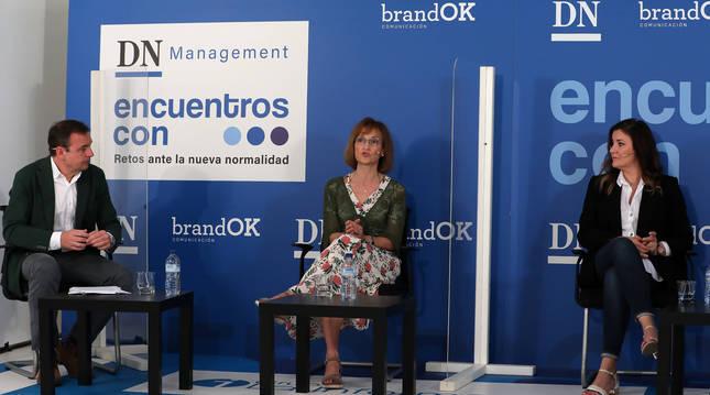 Foto de Celso Clariana, Inmaculada Elcano y Mª Jesús Alonso, el encuentro DN Management sobre el comercio.