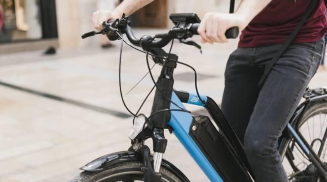 Detalle de una bicicleta eléctrica