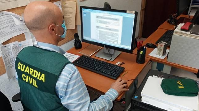 Foto facilitada por la Guardia Civil para ilustrar la prevención en secuestros virtuales.