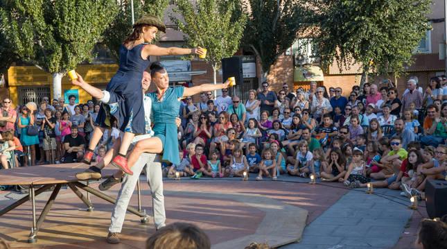 Actuación de la compañía Mumusic Circus en el Festival de Circo de Navarra, que volverá a celebrarse a finales de agosto.
