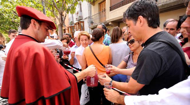 La Fiesta de la Vendimia se celebra anualmente en Olite.