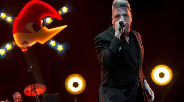 El músico y cantante José María Sanz Beltrán, 'Loquillo', durante su concierto en el Wizkink Center de Madrid.