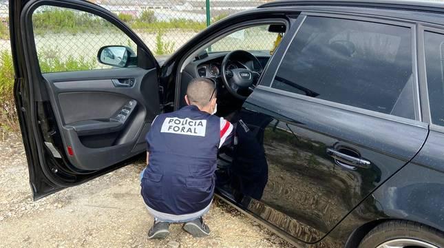 Un conductor con cuatro retiradas de carné se da a la fuga tras conducir de forma temeraria en la Ronda de Pamplona