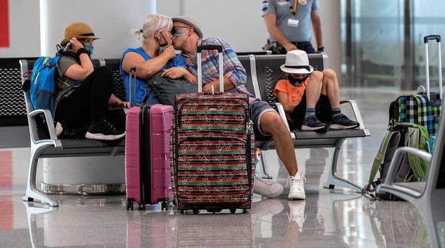 Pasajeros en el aeropuerto de Palma.