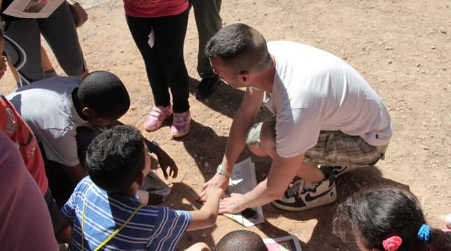Niños en un campamento de colonias verano.