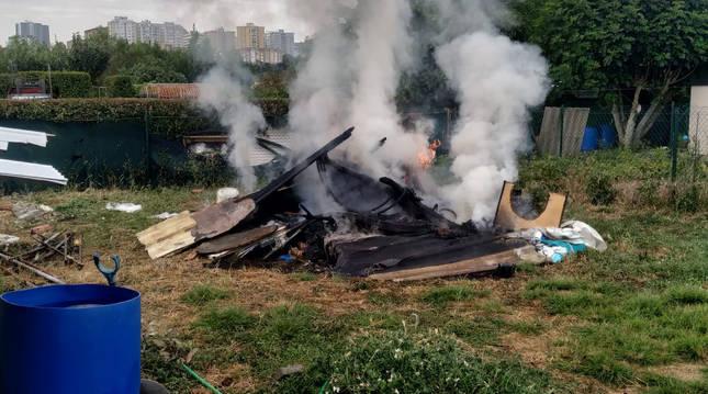 Foto de un incendio en una huerta de Miluze
