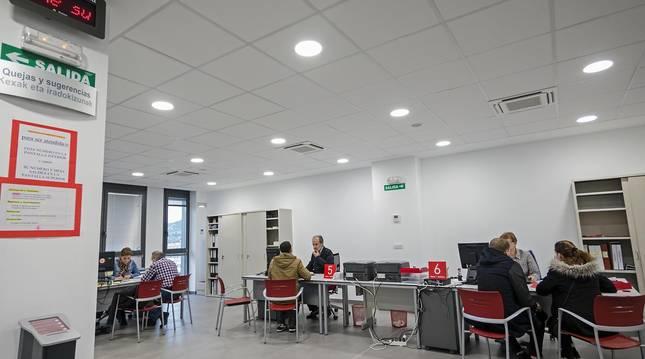 Foto del interior de la oficina del SNE en Estella.