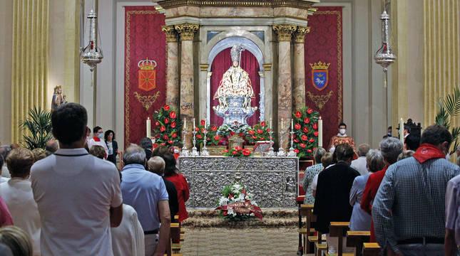 El altar de San Fermín, instantes antes de dar comienzo la eucaristía de la Octava, este martes.