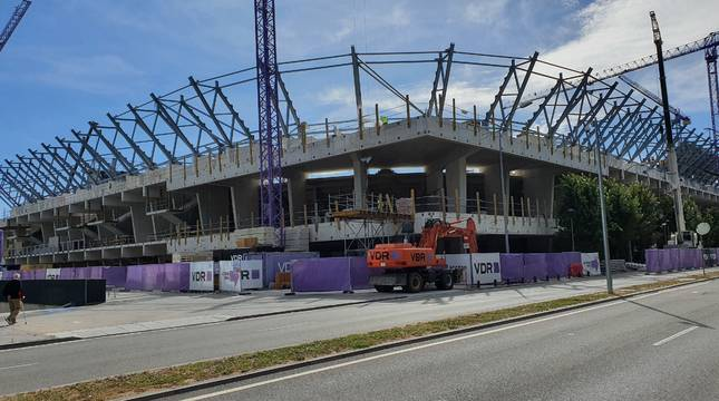 Las obras de El Sadar permiten ya apreciar cómo será la imagen del estadio reformado y ampliado.