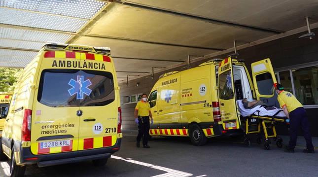 Los pacientes que ingresan en Lleida están tan graves como en marzo