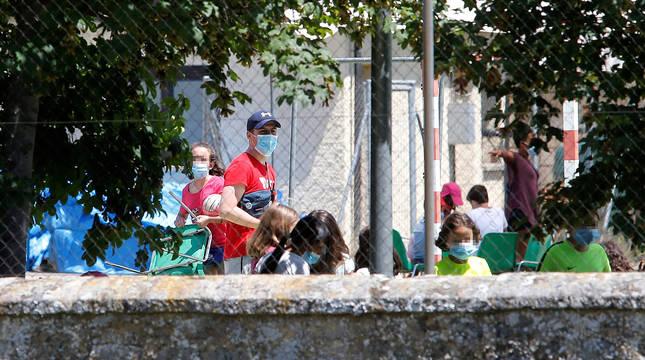 Un niño navarro, entre los contagiados en el brote del campamento en Soria