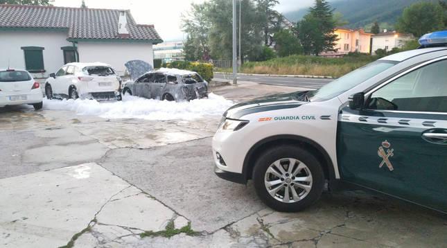 Extinguido un incendio de varios vehículos en Alsasua
