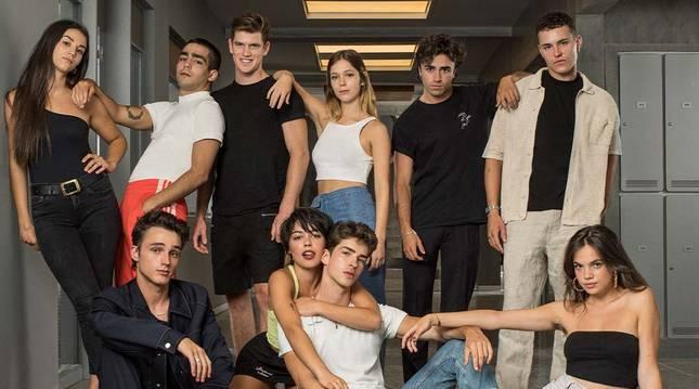 Plantel de actores y actrices de la cuarta temporada de 'Élite'.