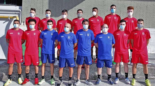La plantilla y el cuerpo técnico de Osasuna Magna para laa temporada 2020-21. En la foto está ausente Fabinho.