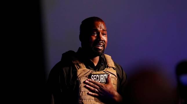 Foto del rapero Kayne West, emocionado en su primer acto de campaña en Carolina del Sur.