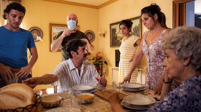 foto de El actor Manolo Solo durante el rodaje de 'Sevillanas de Brooklyn'