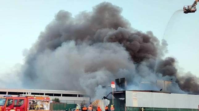 Un incendio en Ávila obliga a evacuar un pueblo