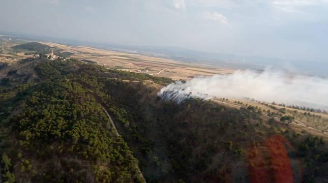 Imagen de un incendio en el término municipal de Cárcar (Navarra).