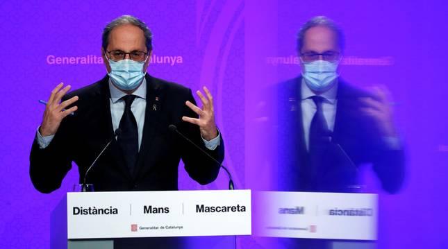 foto de El presidente de la Generalitat, Quim Torra, durante la rueda de prensa de este lunes