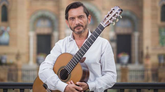 José Maria Gallardo del Rey, junto a Miguel Ángel Cortés, ofrecerán el concierto de guitarra Lo Cortés no quita lo Gallardo.