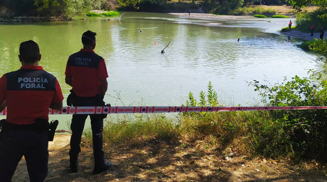 Un joven ganés fallece ahogado mientras se bañaba en el río Aragón