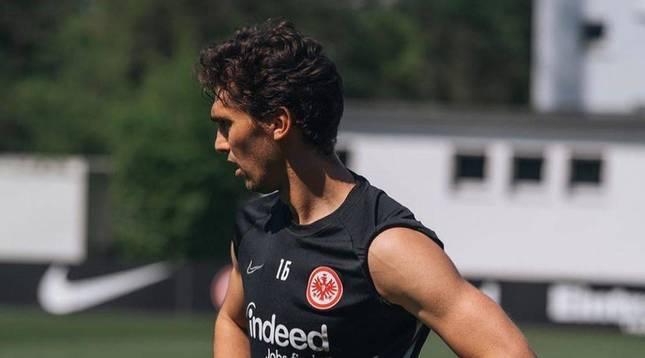Foto de Lucas Torró durante un entrenamiento anterior con el Eintracht.