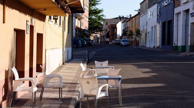 Imagen de una terraza sin gente en el municipio vallisoletano de Íscar.