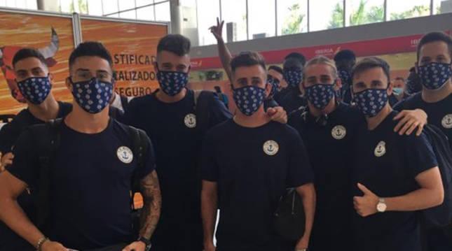 Jugadores del CD Marino, a su llegada a Madrid para disputar el playoff de ascenso a Segunda División B.