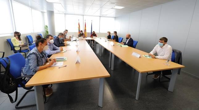 Reunión informativa sobre datos de la COVID-19 de las consejeras de Presidencia, Mayte Pérez, y de Sanidad, Sira Repollés, con la Junta de Portavoces y Mesa de las Cortes de Aragón.
