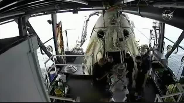 Vídeo: La cápsula Dragon culmina con éxito una misión histórica de la NASA y SpaceX
