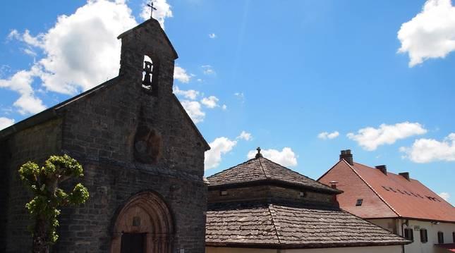 Iglesia de Santiago y Silo de Carlo Magno.