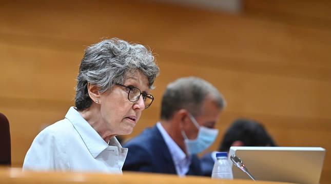 Foto de la administradora única de RTVE, Rosa María Mateo, durante su comparecencia ante la Comisión Mixta de Control Parlamentario de RTVE.