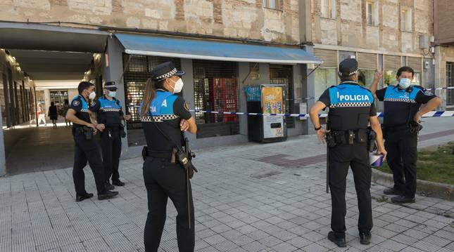 Varios agentes de la Policía Municipal de Tudela en una reciente intervención.