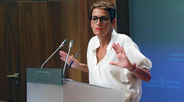 La presidenta navarra, María Chivite, durante la comparecencia de este viernes.