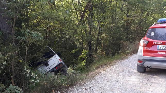 Vehículo accidentado en Errea.