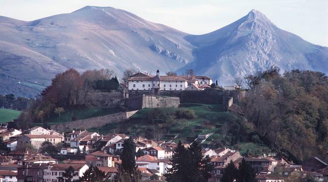 Vista general de la localidad francesa de San Juan Pie de Puerto.
