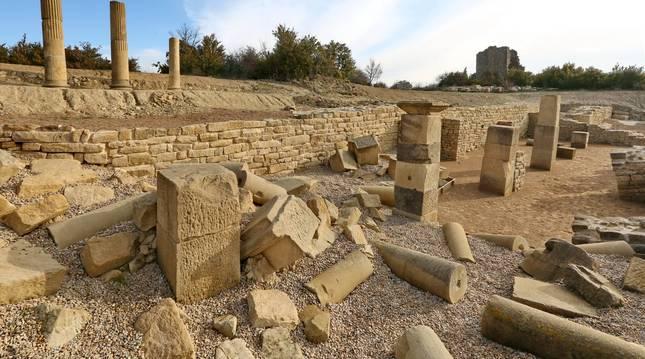 Panorámica del foro romano de Santa Criz de Eslava, ciudad romana situada en la Zona Media.