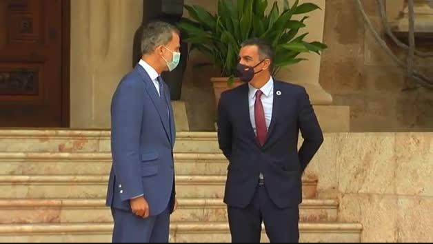 El rey recibe a Pedro Sánchez en Mallorca
